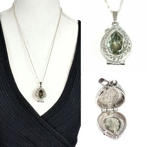 Jewelry - Locket / Poison Necklace Silver & Crystal
